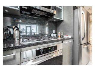 """Photo 5: 2310 833 SEYMOUR Street in Vancouver: Downtown VW Condo for sale in """"CAPITOL RESIDENCES"""" (Vancouver West)  : MLS®# R2242154"""