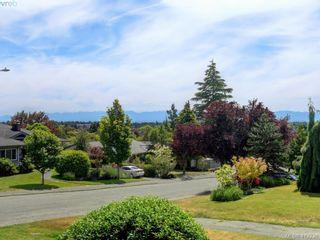Photo 2: 3034 Larkdowne Rd in VICTORIA: OB Henderson House for sale (Oak Bay)  : MLS®# 817354