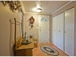 Photo 4: 31539 LOMBARD Avenue in Abbotsford: Poplar Manufactured Home for sale : MLS®# F1429021
