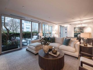 """Photo 4: 1510 HOMER Mews in Vancouver: Yaletown Townhouse for sale in """"THE ERICKSON"""" (Vancouver West)  : MLS®# R2334028"""