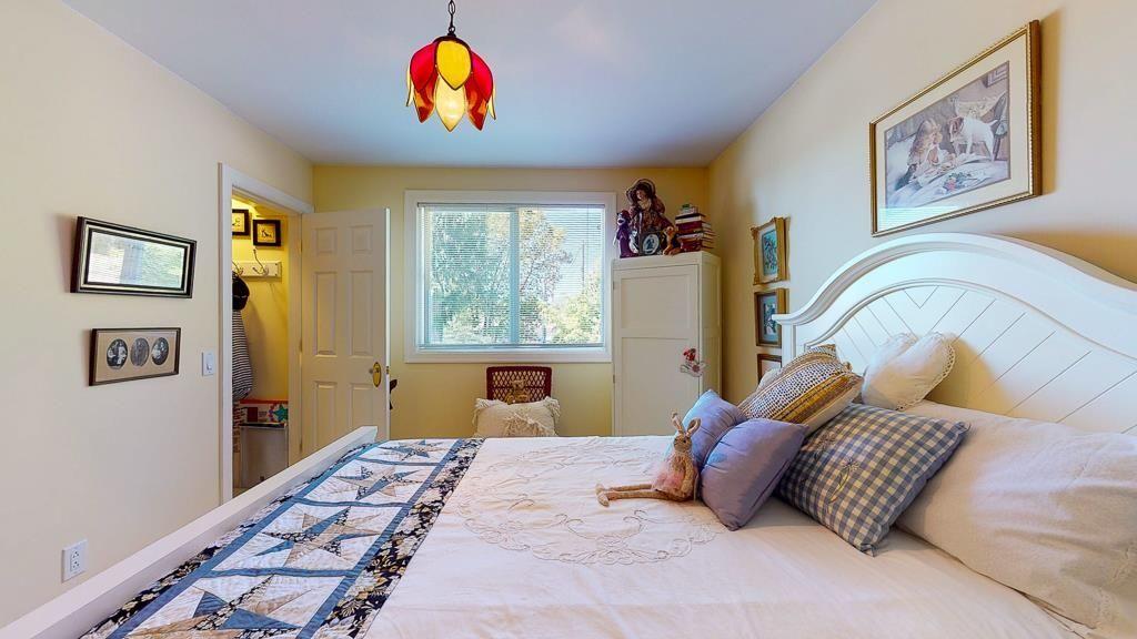 Photo 11: Photos: 5740 NICKERSON Road in Sechelt: Sechelt District House for sale (Sunshine Coast)  : MLS®# R2597486