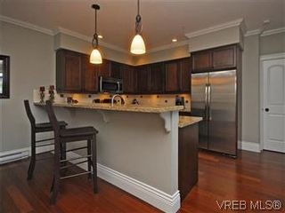 Photo 6: 209 755 Goldstream Ave in VICTORIA: La Langford Proper Condo for sale (Langford)  : MLS®# 590944