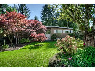 """Photo 2: 7662 KERRYWOOD Crescent in Burnaby: Government Road House for sale in """"GOVERNMENT ROAD"""" (Burnaby North)  : MLS®# V1119850"""
