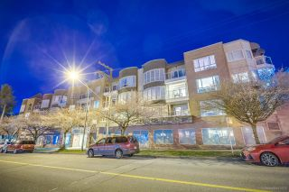"""Photo 5: 204 789 W 16TH Avenue in Vancouver: Fairview VW Condo for sale in """"Sixteen Willows"""" (Vancouver West)  : MLS®# R2569977"""