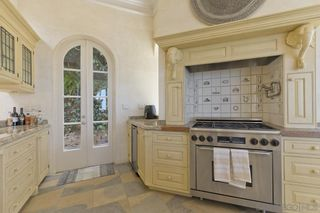 Photo 12: LA JOLLA House for sale : 4 bedrooms : 1601 Kearsarge Road