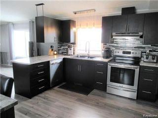 Photo 7: 14 Hornshaw Street in Pine Ridge: Pineridge Trailer Park Residential for sale (R02)  : MLS®# 1807564