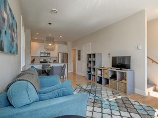 Photo 7: 3 1146 Caledonia Ave in Victoria: Vi Fernwood Row/Townhouse for sale : MLS®# 842254