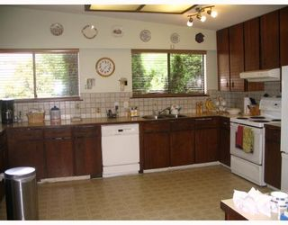 Photo 3: 2331 KIRKSTONE Road in North_Vancouver: Westlynn House for sale (North Vancouver)  : MLS®# V776846