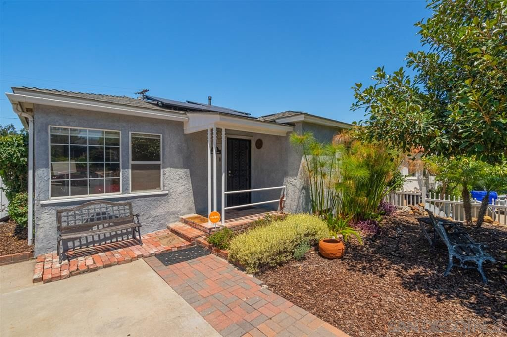 Main Photo: SAN DIEGO House for sale : 3 bedrooms : 4616 Esther St