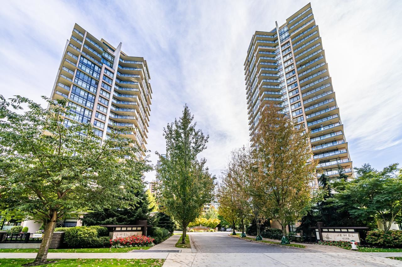 """Main Photo: 2703 6188 WILSON Avenue in Burnaby: Metrotown Condo for sale in """"JEWEL"""" (Burnaby South)  : MLS®# R2618857"""