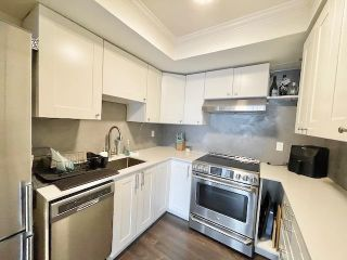 "Photo 15: 301 1381 MARTIN Street: White Rock Condo for sale in ""CHESTNUT VILLAGE"" (South Surrey White Rock)  : MLS®# R2575498"