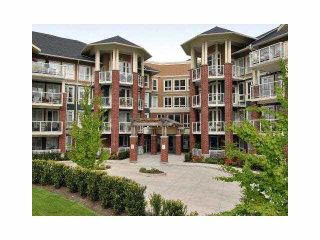 Photo 2: 209 14 E ROYAL Avenue in New Westminster: Fraserview NW Condo for sale : MLS®# V1078715