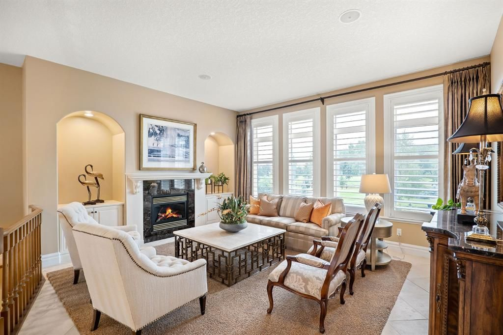 Photo 7: Photos: 15 Lynx Meadows Drive NW: Calgary Detached for sale : MLS®# A1139904