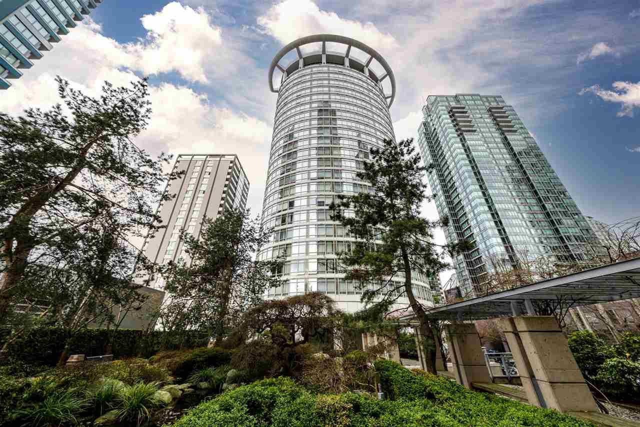 """Main Photo: 403 1288 ALBERNI Street in Vancouver: West End VW Condo for sale in """"THE PALISADES"""" (Vancouver West)  : MLS®# R2529157"""