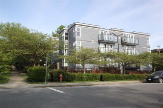 """Photo 2: 302 2212 OXFORD Street in Vancouver: Hastings Condo for sale in """"City View Place"""" (Vancouver East)  : MLS®# R2370060"""
