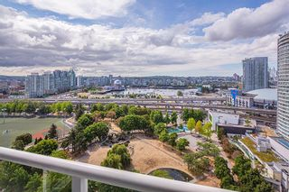 """Photo 4: 2201 550 TAYLOR Street in Vancouver: Downtown VW Condo for sale in """"Taylor"""" (Vancouver West)  : MLS®# R2608847"""