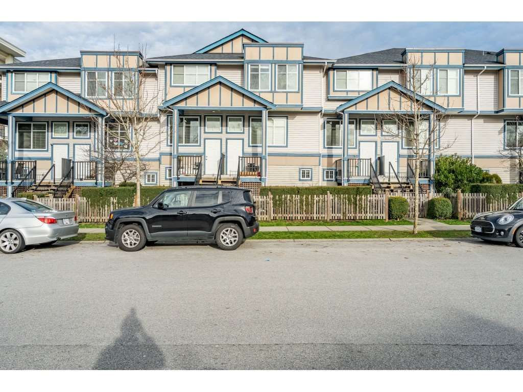 """Photo 2: Photos: 57 13899 LAUREL Drive in Surrey: Whalley Townhouse for sale in """"Emerald Gardens"""" (North Surrey)  : MLS®# R2527402"""