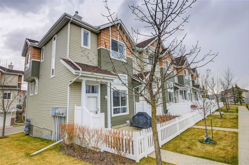 Main Photo: 85 TUSCANY Court NW in Calgary: Tuscany Row/Townhouse for sale : MLS®# C4243968
