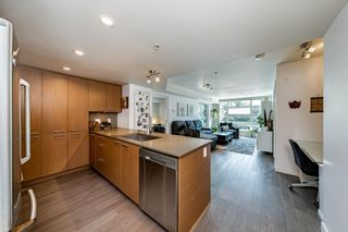 """Photo 3: 409 95 MOODY Street in Port Moody: Port Moody Centre Condo for sale in """"The Station by Aragon"""" : MLS®# R2602041"""