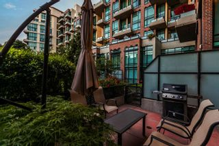 Photo 15: 105 10 RENAISSANCE SQUARE in New Westminster: Quay Condo for sale : MLS®# R2188809