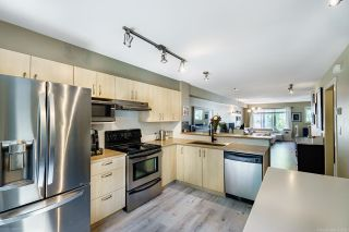 Photo 5: 31 15155 62A AVENUE in Surrey: Sullivan Station Townhouse for sale : MLS®# R2610294