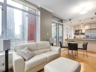 """Photo 11: 1202 1211 MELVILLE Street in Vancouver: Coal Harbour Condo for sale in """"The Ritz"""" (Vancouver West)  : MLS®# R2223413"""