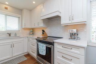 Photo 3: 575 E Burnside Rd in Victoria: Vi Burnside House for sale : MLS®# 845217