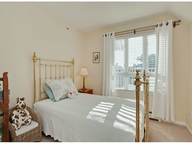 """Photo 12: Photos: 5 235 E 11TH Street in North Vancouver: Central Lonsdale Townhouse for sale in """"Fairview Court"""" : MLS®# V1094152"""