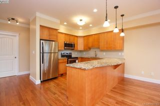 Photo 9: 17 1880 Laval Ave in VICTORIA: SE Gordon Head Row/Townhouse for sale (Saanich East)  : MLS®# 826384