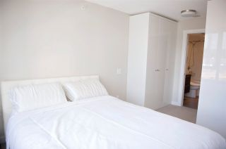 Photo 6: 804 570 EMERSON Street in Coquitlam: Coquitlam West Condo for sale : MLS®# R2399005