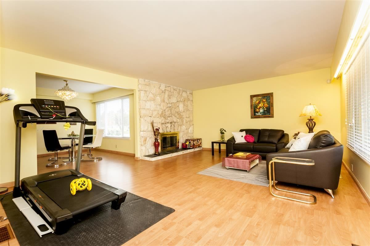 Photo 2: Photos: 9640 GLENTHORNE Drive in Richmond: Saunders House for sale : MLS®# R2265891