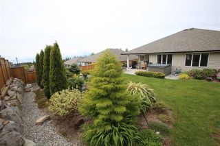Photo 15: 5628 PETERS Crescent in Sechelt: Sechelt District House for sale (Sunshine Coast)  : MLS®# R2608126