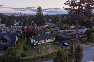 Photo 40: 965 BEAUMONT Drive in North Vancouver: Edgemont House for sale : MLS®# R2624946