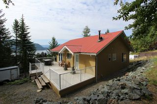 Photo 2: 5277 Hlina Road in Celista: North Shuswap House for sale (Shuswap)  : MLS®# 10190198