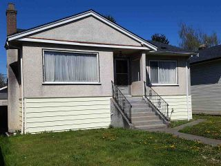 Photo 2: 2563 E 16TH Avenue in Vancouver: Renfrew Heights House for sale (Vancouver East)  : MLS®# R2568299