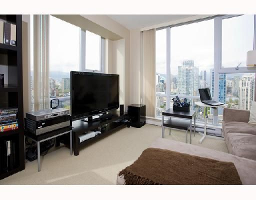 Photo 7: Photos: # 2506 550 PACIFIC ST in Vancouver: Condo for sale : MLS®# V736170