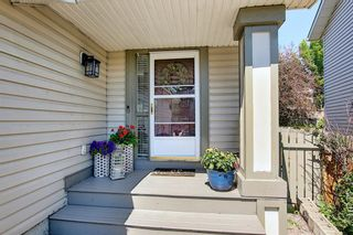 Photo 2: 75 Somerglen Place SW in Calgary: Somerset Detached for sale : MLS®# A1129654
