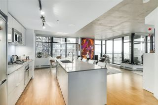 "Main Photo: 3206 128 W CORDOVA Street in Vancouver: Downtown VW Condo for sale in ""WOODWARDS W43"" (Vancouver West)  : MLS®# R2529797"