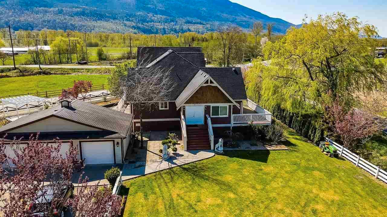 Main Photo: 5618 HOPEDALE Road in Chilliwack: Greendale Chilliwack House for sale (Sardis)  : MLS®# R2573314