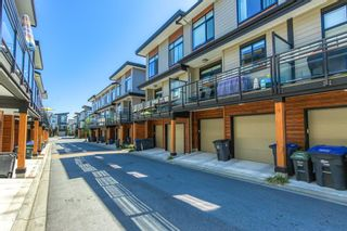 """Photo 2: 196 16488 64 Avenue in Surrey: Cloverdale BC Townhouse for sale in """"Harvest at Bose Farms"""" (Cloverdale)  : MLS®# R2562625"""