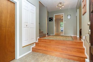 Photo 3: 108 Werra Rd in View Royal: VR View Royal House for sale : MLS®# 843759