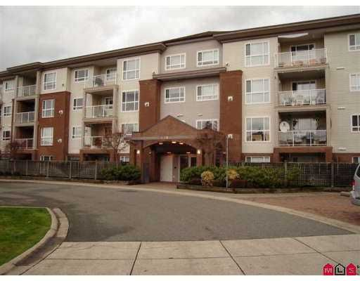 "Main Photo: 15885 84TH Ave in Surrey: Fleetwood Tynehead Condo for sale in ""Abbey Road"" : MLS®# F2626041"