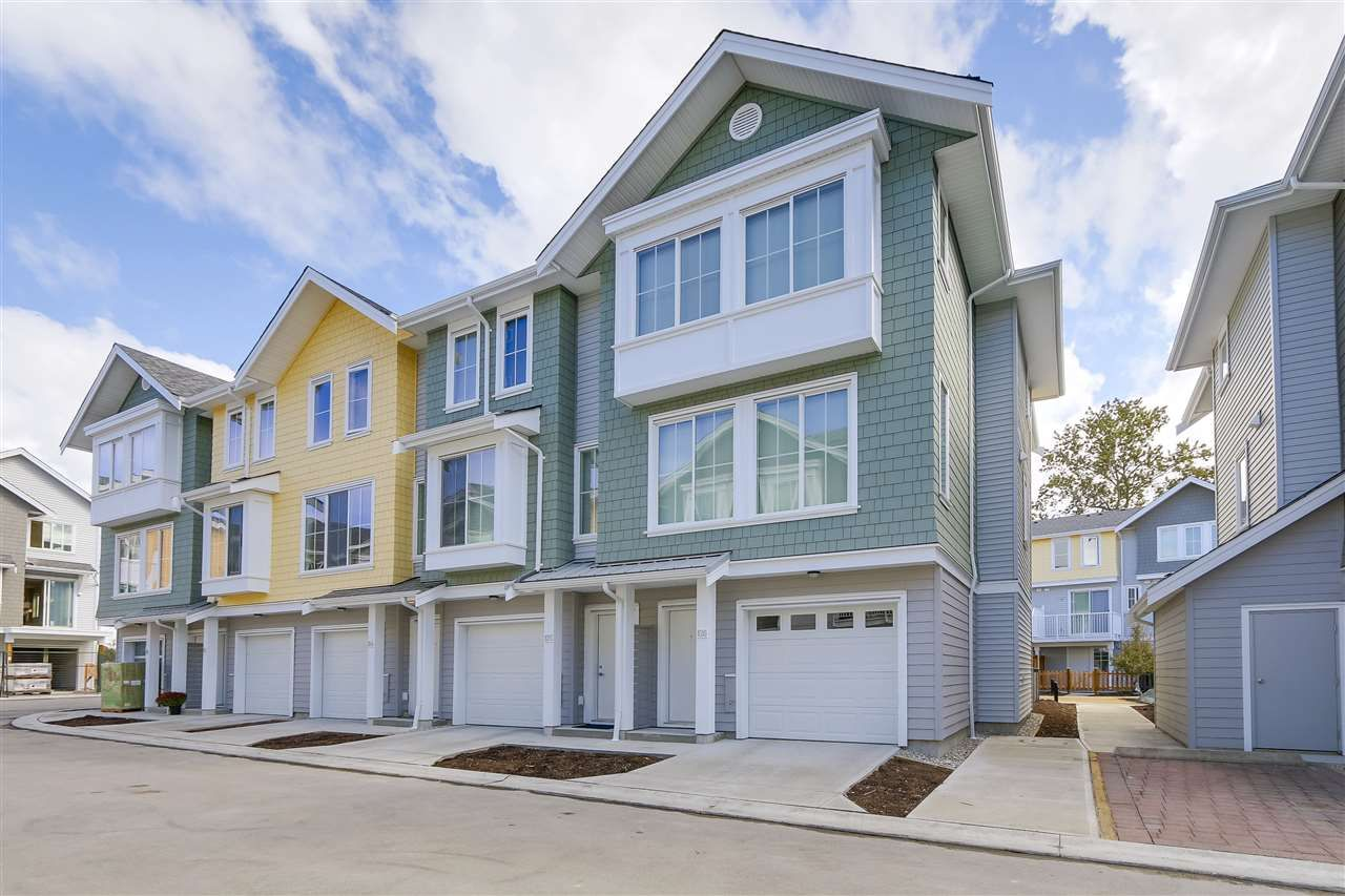 Main Photo: 126 5550 ADMIRAL WAY in Ladner: Neilsen Grove Townhouse for sale : MLS®# R2208463