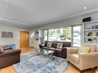 Photo 2: 3870 DUBOIS Street in Burnaby: Suncrest House for sale (Burnaby South)  : MLS®# R2552149