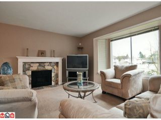 Photo 5: 9465 161ST Street in Surrey: Fleetwood Tynehead House for sale : MLS®# F1026531