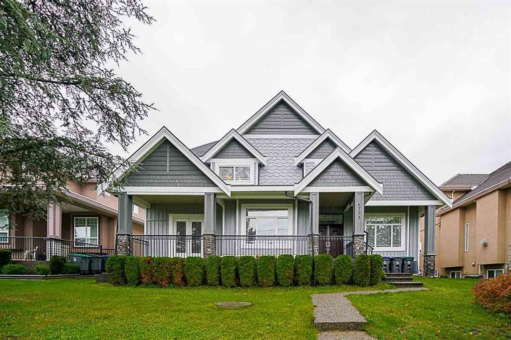 Main Photo: 6773 152 in surrey: House for sale (Surrey)  : MLS®# r2137137