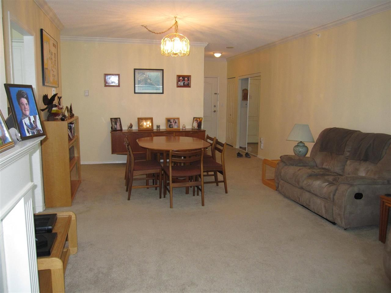 """Photo 3: Photos: 107 12148 224 Street in Maple Ridge: East Central Condo for sale in """"PANORAMA"""" : MLS®# R2153257"""