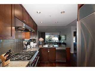 "Photo 10: PH6 1477 W 15TH Avenue in Vancouver: Fairview VW Condo for sale in ""Shaughnessy Mansion"" (Vancouver West)  : MLS®# V1087897"