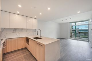 """Photo 8: 2368 DOUGLAS Road in Burnaby: Brentwood Park Townhouse for sale in """"Étoile"""" (Burnaby North)  : MLS®# R2603532"""