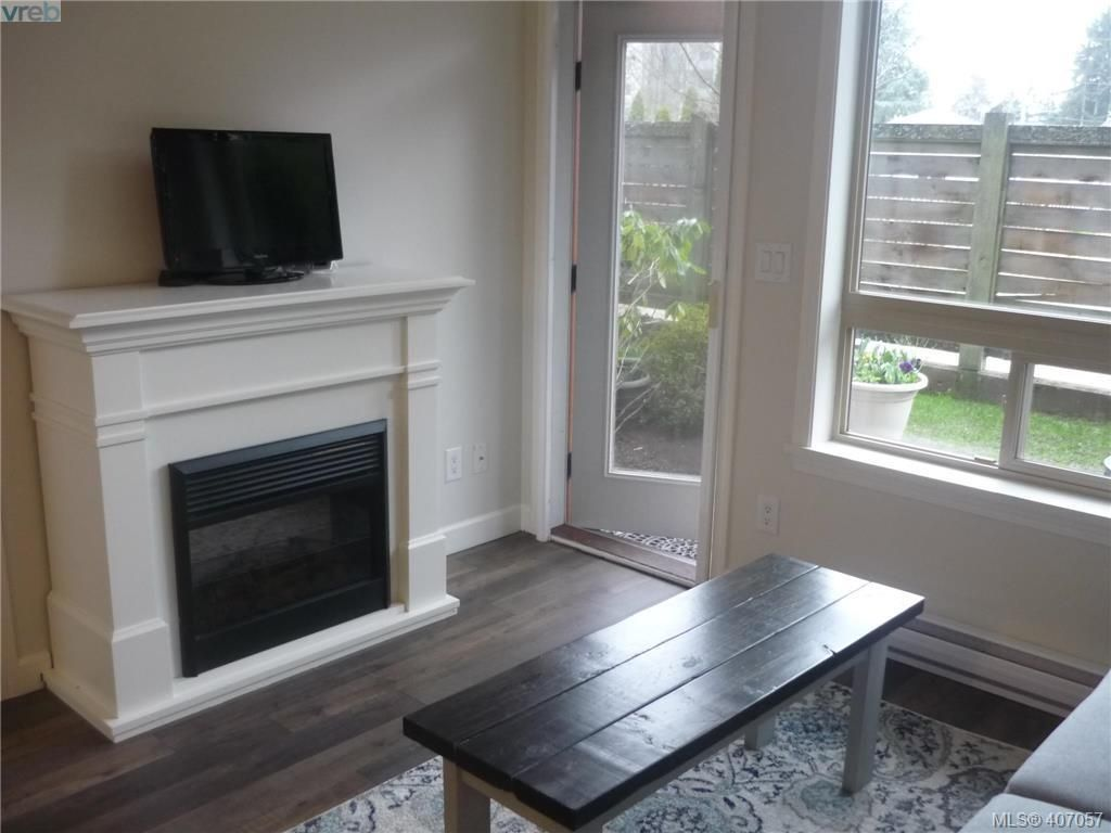 Photo 5: Photos: 103 825 Goldstream Ave in VICTORIA: La Langford Proper Condo for sale (Langford)  : MLS®# 808915